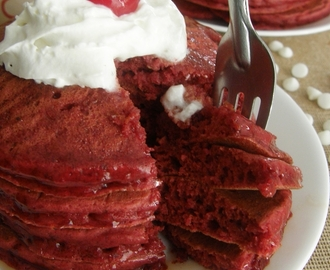 Hot cakes red velvet {San Valentín}