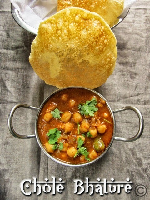 CHOLE BHATURE I RESTAURANT STYLE CHOLE BHATURA I NORTH INDIAN BREAKFAST