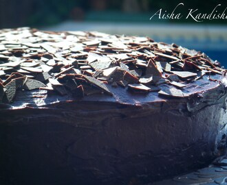 TARTA GLASEADA DE CHOCOLATE
