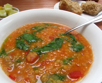 Lentil, tomato and spinach soup