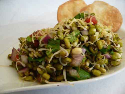 Sprouted Mung Bhel Chaat – Healthy Salad