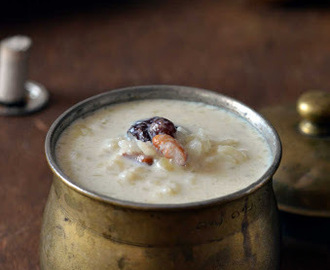 Pal Payasam / Rice Kheer (Rice & Milk Pudding)