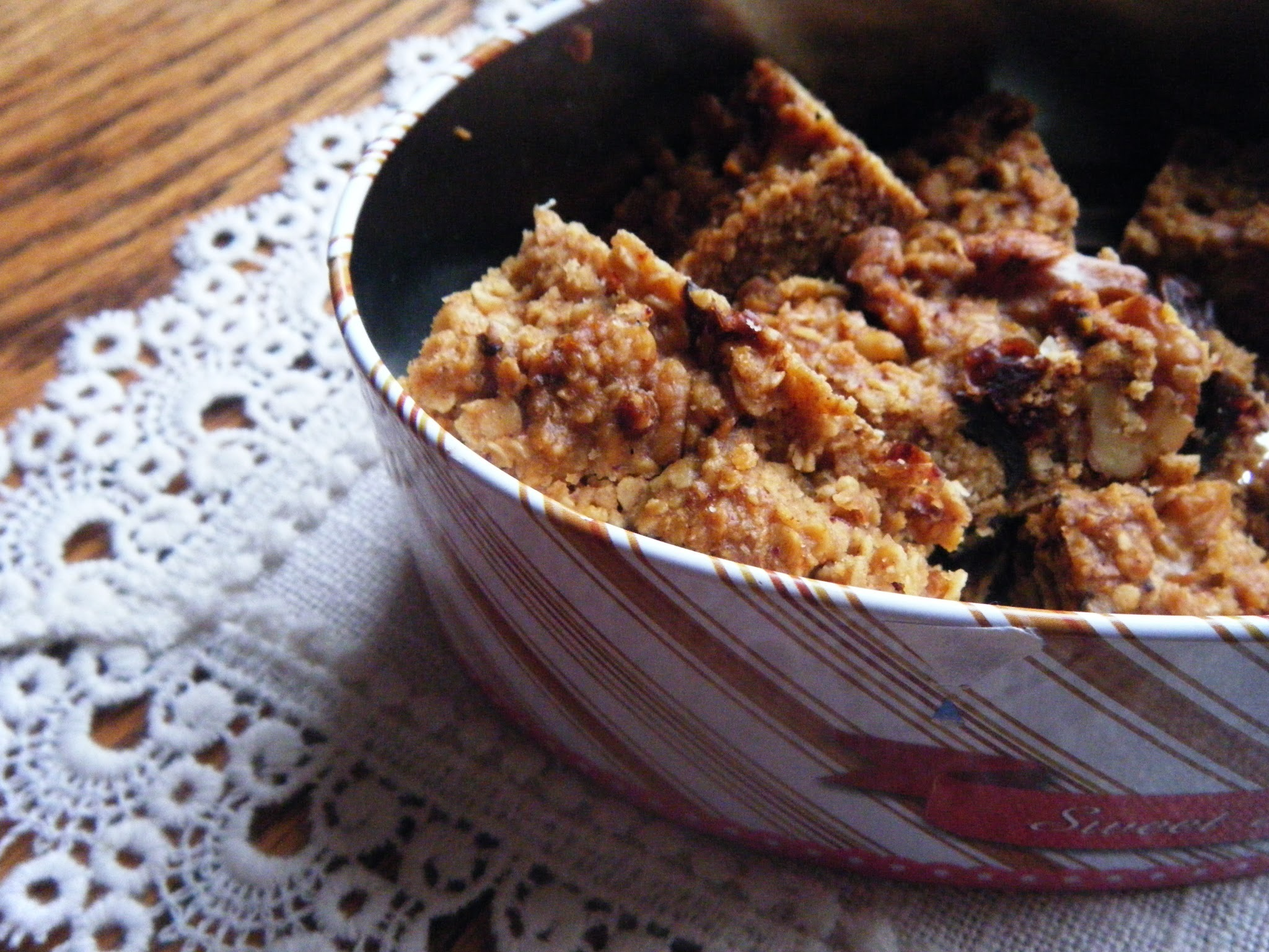 Honey, date and walnut flapjacks, sugarfree