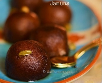 Mishti aloo'r pantua / sweet potato gulab jamun – Sankranti recipes