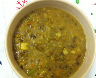 Whole Green Gram Dal Sabzi/Pachai Payaru Sabzi