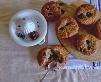 Muffins de frutos vermelhos/ Red berries muffins