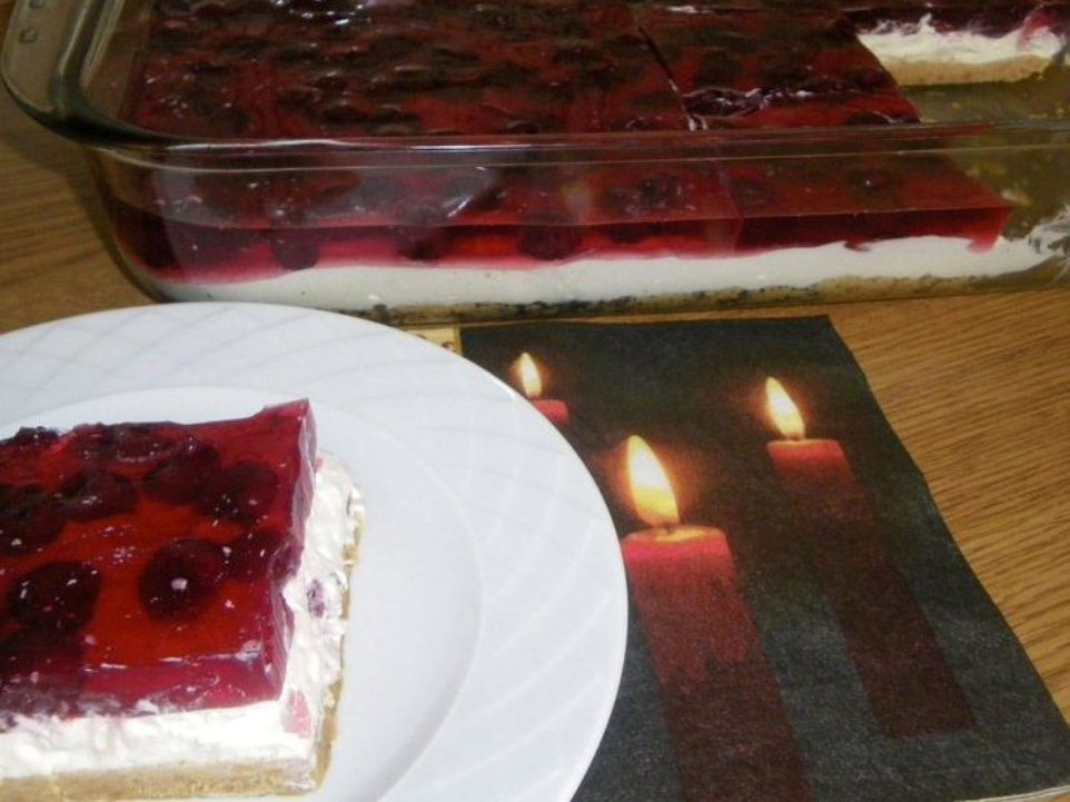 Cheese cake με ζελέ και βύσσινα