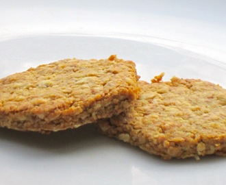 Sugar free wheatgerm and oat biscuits for babies and toddlers