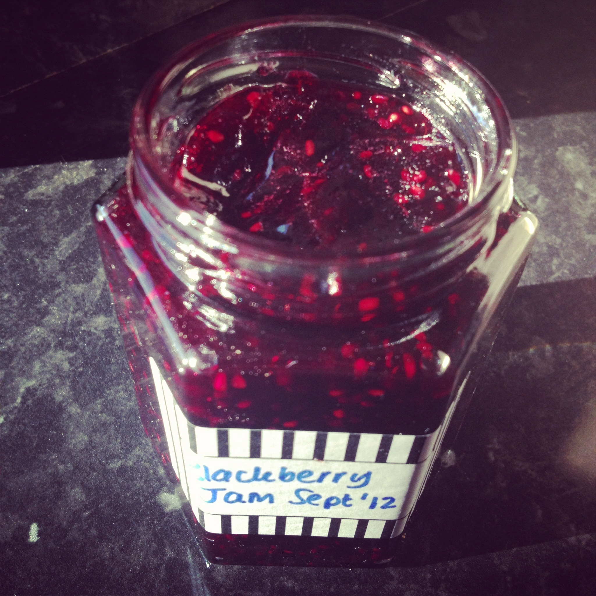 Foraged Blackberry Jam (v)