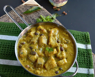 Vazhakkai Kondakadalai Kootu/Raw Banana and Black Chickpeas Curry