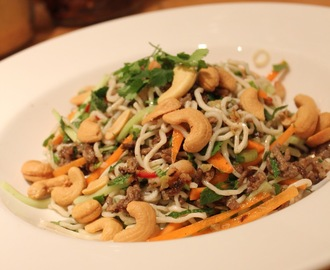 Noodle Salad with Melon and Cashew Nuts