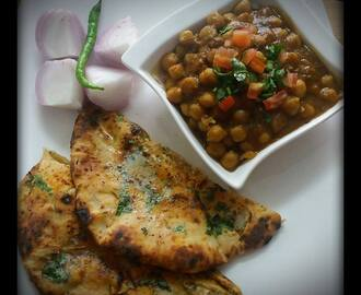 Aloo Paneer Kulche With Chole