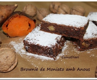 BROWNIE DE MONIATO AMB ANOUS