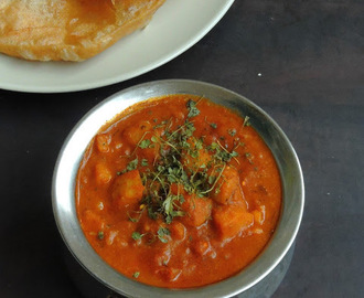 No Onion No Garlic Aloo Rasedar/Mashed Potato in Tomato Gravy