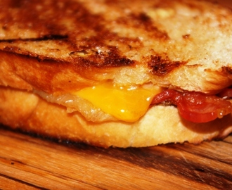 Caramelized Onion and Cheddar Grilled Cheese