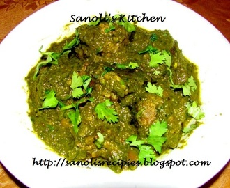 POTATO KOFTAS IN SPINACH SAUCE (KOFTAS IN PALAK GRAVY)