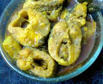 Shol Fish (Snakehead Murrel) With Radish Curry In Bengali Style.