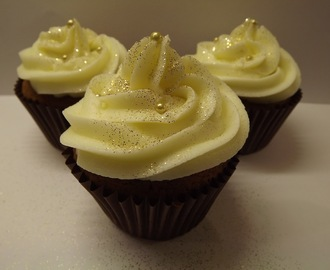 St David's Day Welsh Honey Cupcakes with Lemon Mascarpone Buttercream - Tiesen Mel