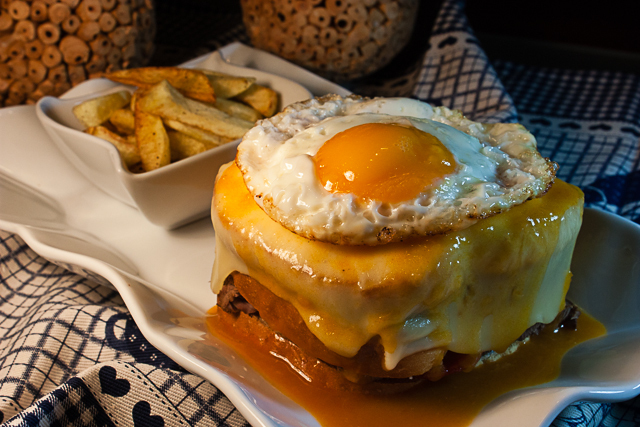 Francesinha à moda do sopas