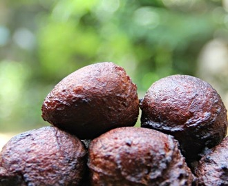 Fried Whole Wheat Banana Cake/ Tea Stall Sweet Bonda/ Kerala Bonda/ Undanpori/ Gothambu Unniyappam