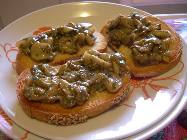 Crostini with Fresh Porcini Mushrooms (Ceps)