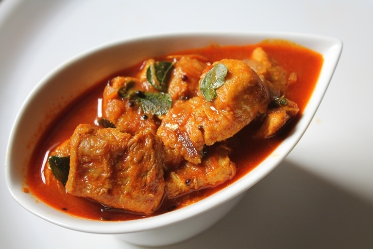 Kerala Fish Curry Recipe / Nadan Meen Curry Recipe / Kerala Red Fish Curry Recipe