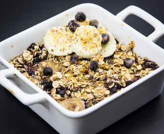 Baked Oatmeal with Blueberries and Banana