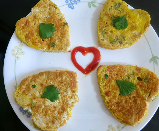 Heart Shaped Egg Masala Toast