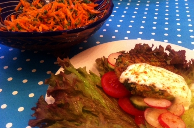 5:2 Fast Diet Time: Quinoa and Soya Burgers with the World's Easiest Carrot Salad.