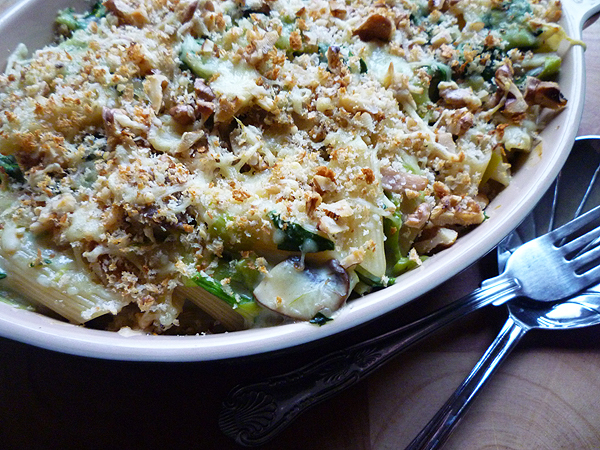 * Cheese and Spinach Penne with Walnut Crumble
