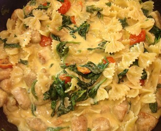 Chicken, Baby Spinach and Cherry Tomato Pasta