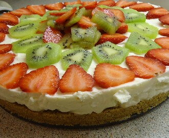 Strawberry and Kiwi No-Bake Cheesecake