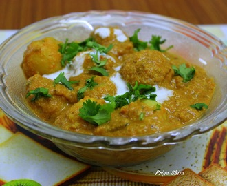 Dum Aloo / Punjabi Dum Aloo Recipe / Baby Potato Curry