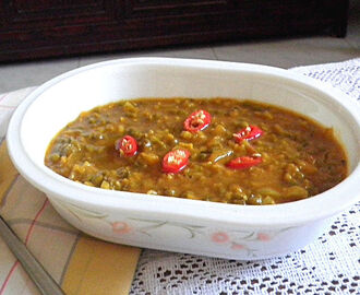 GREEN GRAM/CHERUPAYAR  CURRY