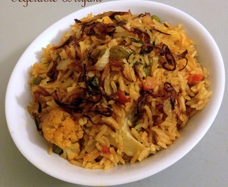 Vegetable Biryani - Simple Method