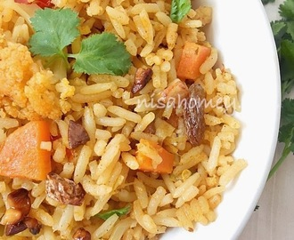 Easy Vegetable Biriyani In Pressure Cooker
