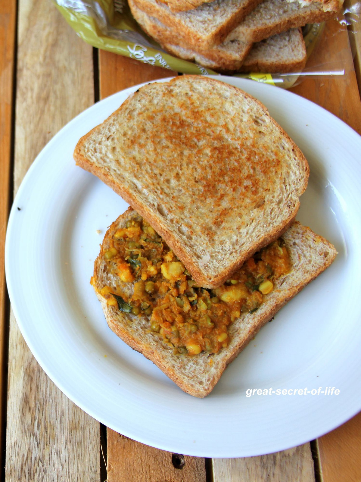 Sprout bread sandwich - Simple healthy kids meal - Healthy lunch box recipe - Healthy Hearty breakfast recipe