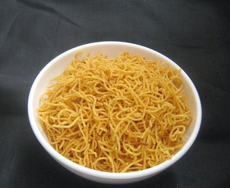 ALOO BHUJIA / POTATO SEV / EASY DIWALI SNACK