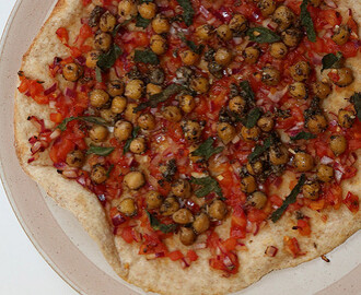 Lebanese Flatbread with Spicy Chickpeas