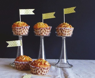Muffins de laranja e amêndoa/ orange and almond muffins