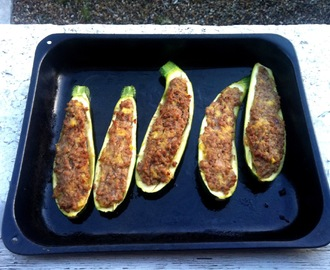 Courgettes stuffed with cinnamon lamb