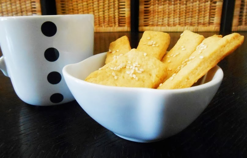 easy and delicious salty biscuits [εύκολα και νόστιμα αλμυρά μπισκότα]