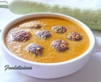 Low Oil-Multi Flour Bottle Gourd Koftas in Red Curry