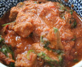 Healthy Takeaway - Slow-Cooked Beef and Spinach Curry