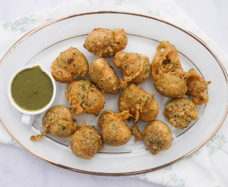 Fresh Methi Pakoras with Green Chutney.