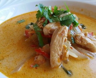 RED CURRY THAI CHICKEN SOUP