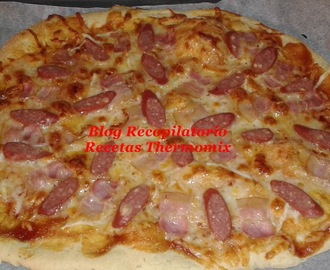 Pizza de beicon, salchichas de queso al estilo de Telepizza, Pizza Hut y Domino´s Pizza en thermomix
