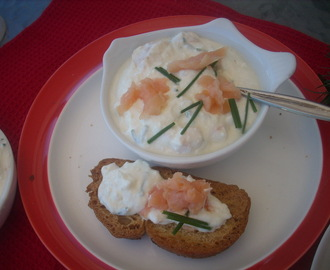 Smoke salmon and cream cheese  Dip with toasted bread