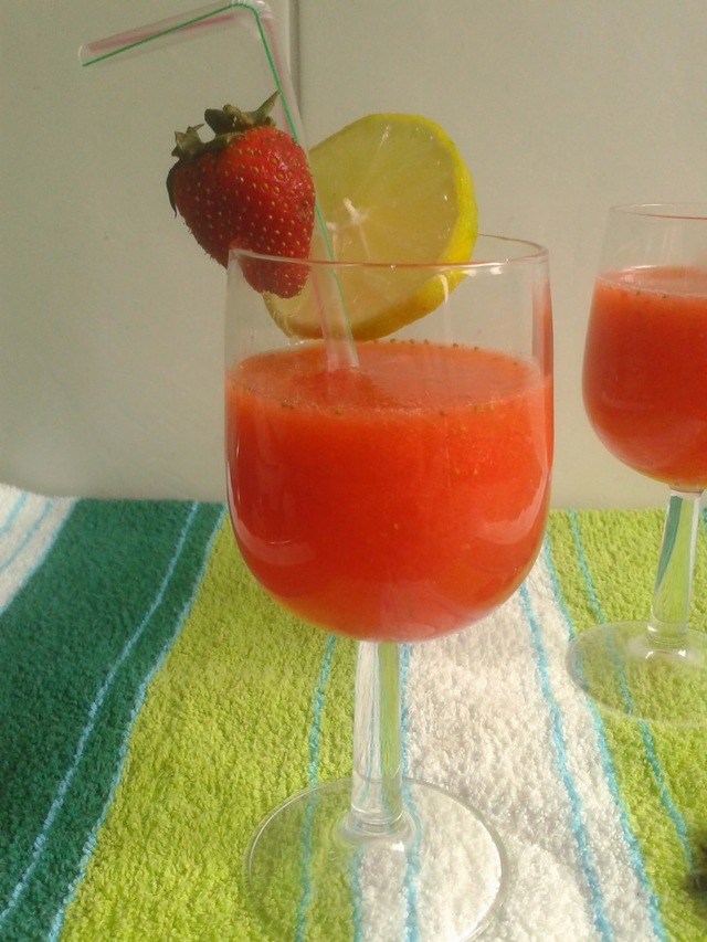 Recipe of Strawberry Lemonade | How to make Strawberry and Lemon Juice