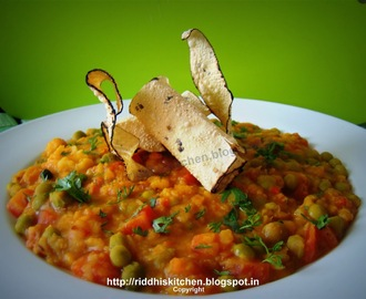 Dal Bahar ( Very simple yet nutritious Dal cooked with lots of vegetables and spices)